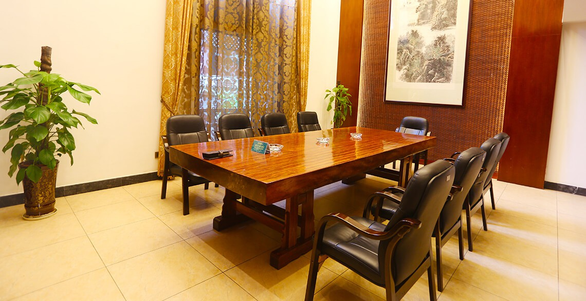There are 7 business meeting rooms in the villa area. Whether there is a training course or a small meeting, it can meet your requirements.